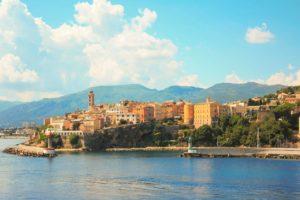 vacances en Corse pour faire des économies
